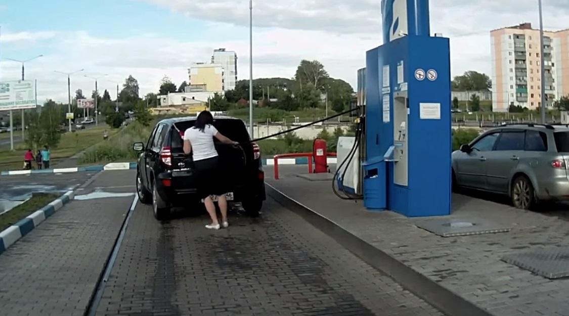 Ženy a benzínové pumpy