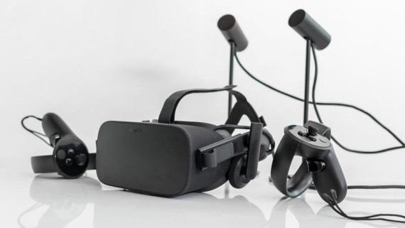 Oculus Rift už nastálo klesol s cenou na 399 dolárov