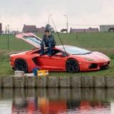Keď idete na ryby, na svojom Lamborghini