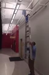 Keď vám niekto poradí použiť rebrík