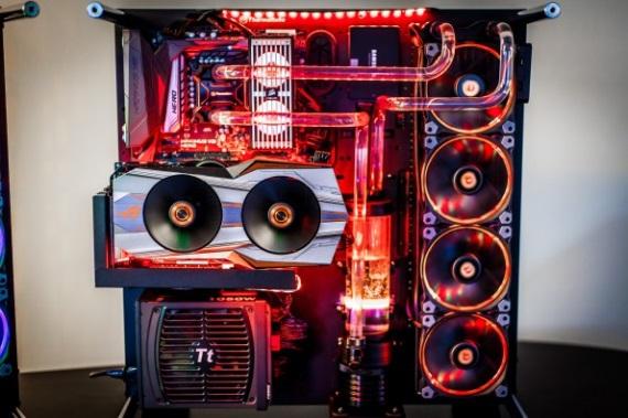 Aké herné PC kúpiť alebo zložiť nad 1000 eur?