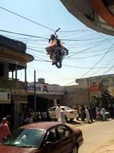 Kde som to zaparkoval tú motorku?