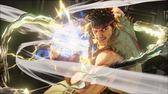 Street Fighter V chýba príbeh, aj tak ale boduje v recenziách