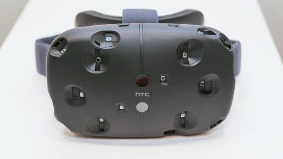 HTC Vive m� fin�lnu cenu, v obmedzenom mno�stve pr�de v apr�li