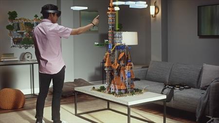 HoloLens dostane vývojársku edíciu už budúci mesiac, príde s tromi hrami