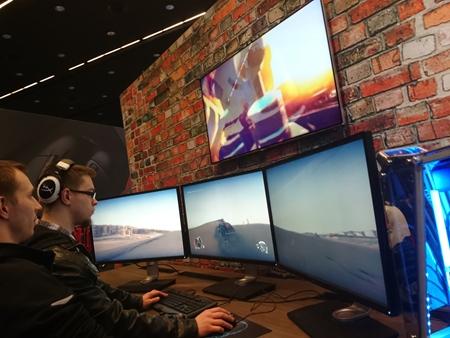 Intel Extreme Master op� spojilo nad�encov e-sportu v Katoviciach