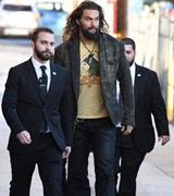 Jason Momoa a jeho bodyguardi